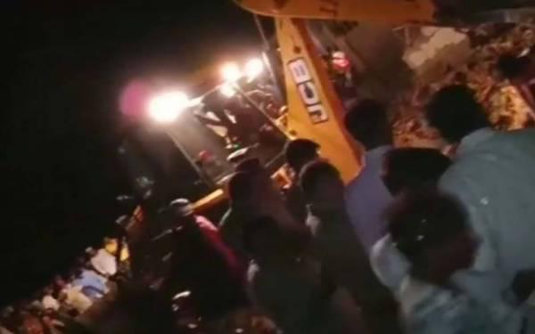 بھارت، مسجد کا مینار منہدم ہونے سے 4 افراد جاں بحق،4زخمی